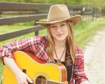 Crystal Bowersox to Visit and Perform at Diabetes Camp